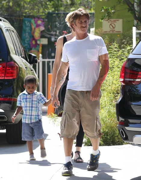 Charlize Theron addopted son