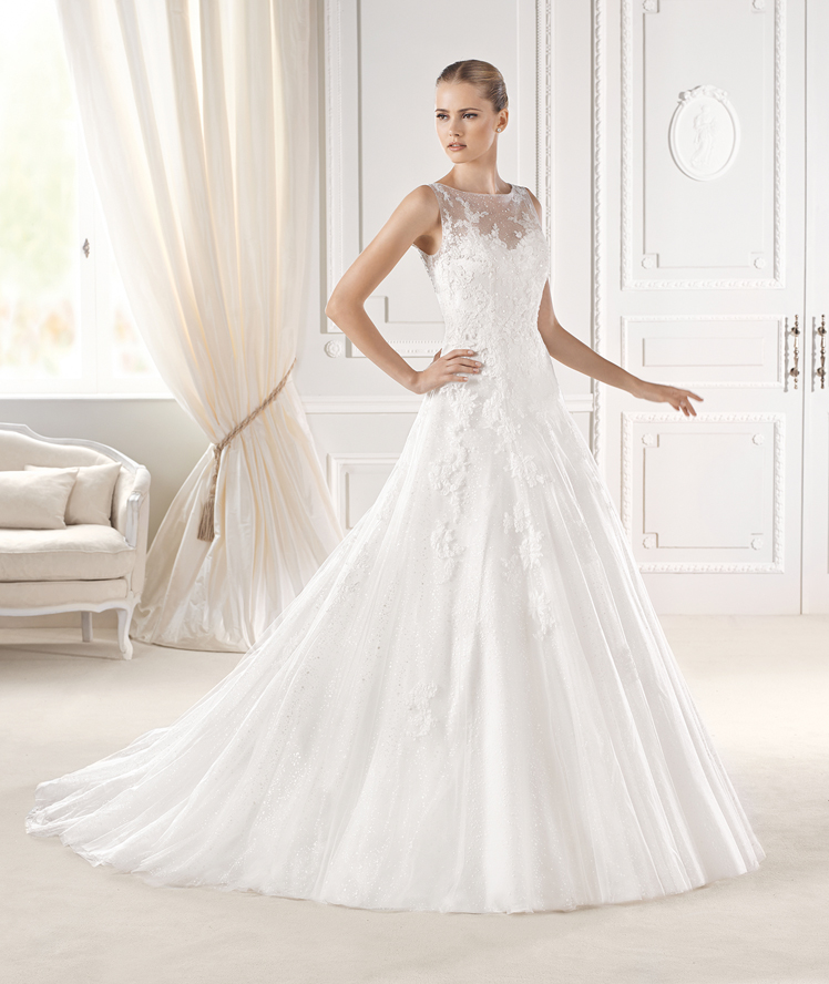 La Sposa- sleeveless lace wedding dress