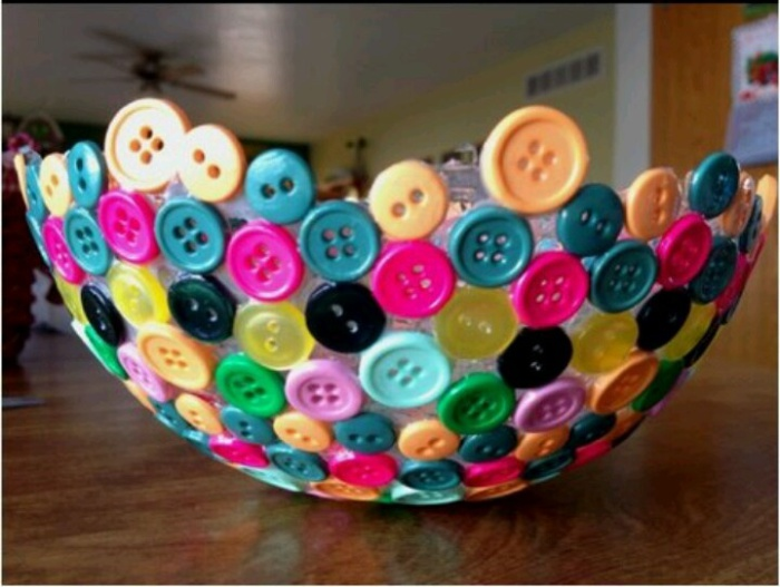 Bowl of buttons made with balloons