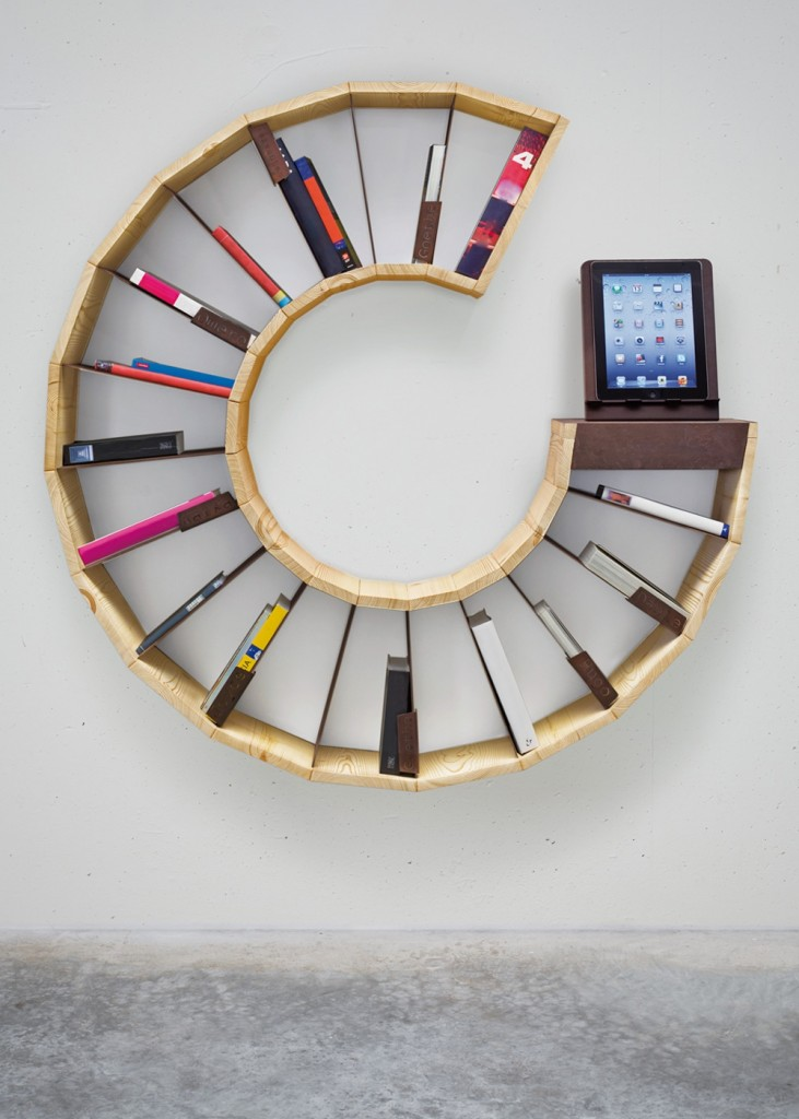 Wheel shape shelf