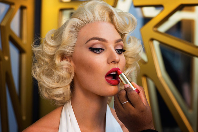 Candice Swanepoel makeup and hair as Marilyn Monroe