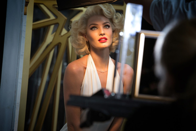 Candice Swanepoel the image of Marilyn Monroe for Max Factor